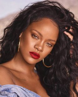 8 of Rihanna's Trendiest Short Hairstyles – Bnsds Fashion World