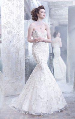 Robe de mariée distinguee naturel avec fleurs de col en cœur manche nulle – GoodRobe