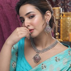 Buy the latest Indian artificial jewellery from Tarinika
