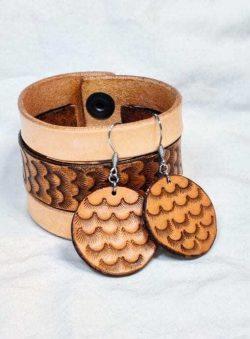 Splendid Minimalist Beach Style Bracelet and Earrings