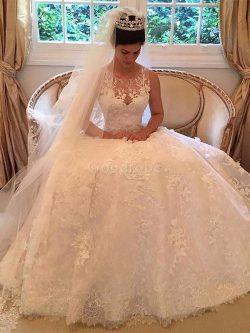Robe de mariée naturel ligne a de traîne moyenne appliques encolure ronde – GoodRobe