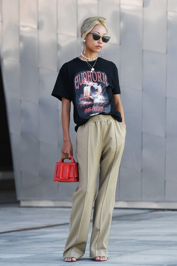 How To Wear Oversized Tee –