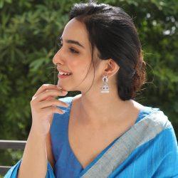 Get Splendid Designs of Earrings Jhumka