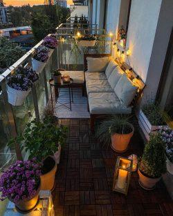A complete cozy balcony