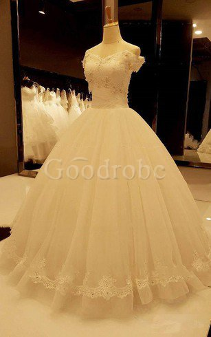 Robe de mariée naturel jusqu'au sol v encolure avec perle avec décoration dentelle – ...
