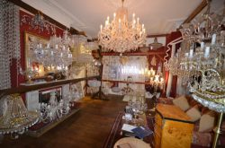 Want to Buy a Crystal Chandelier? Keep These Tips in Mind