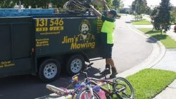 Get Lawn Mowing Services In Chadstone
