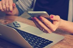 5 WAYS OF USING TECHNOLOGY IN BUSINESS