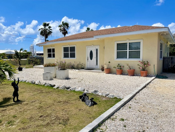 Buy FAMILY HOME ON POWER ROAD – MLS# 413026 – Diamond Properties