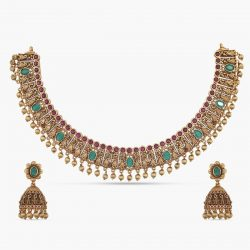 Get Attractive Necklace Sets With High-Quality work