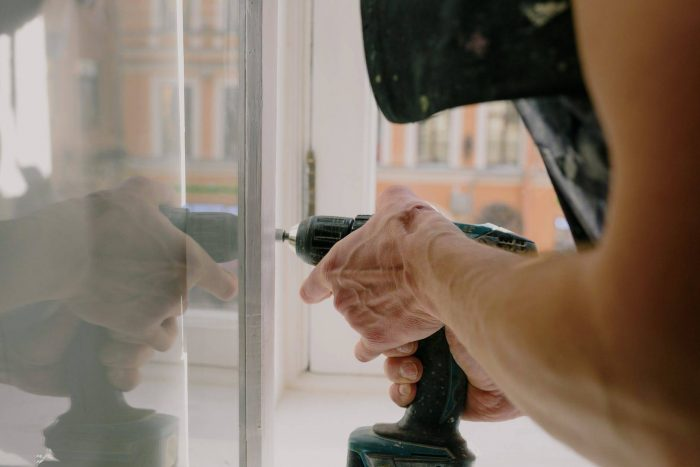 How To Know Whether You Need a Window Repair or Replacement