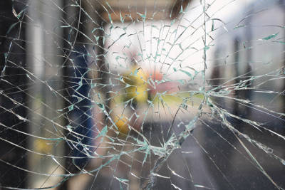 Hire Professional Broken Window Glass Replacement | Central Glass Inc