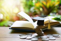 Reasons To Opt For An Education Loan To Study Abroad