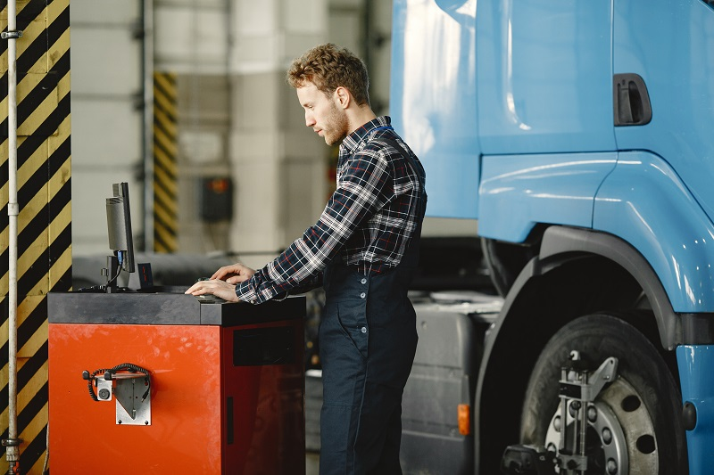 Find the Best Mobile Truck and Trailer Repair in Ajax