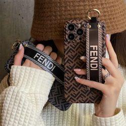 フェンディ iPhone 13/13Pro Maxケース オシャレ ベルト付き FENDI iPhone 13Proケース 男女兼用