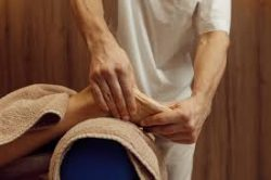 What is deep-tissue massage meaning?