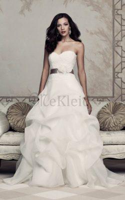 Klassisches Natürliche Taile Herz-Ausschnitt Brautkleid aus Spitze ohne Ärmeln – MeKleid.de