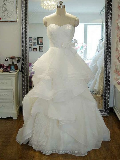 Shop Princess Wedding Dresses Canada with Pickeddresses