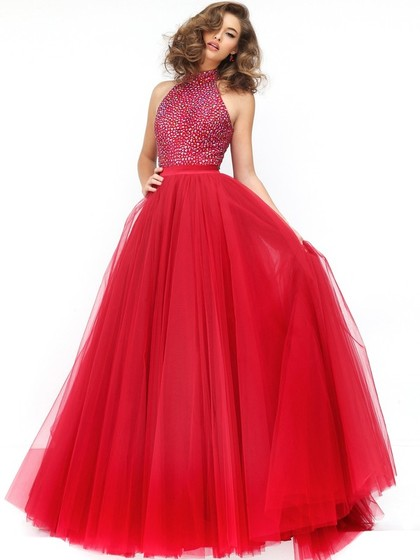 Shop red prom dresses at HandpickLooks to show your charm and passion.