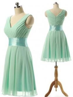 V-neck Chiffon Knee-length Sashes / Ribbons Modest Bridesmaid Dresses in UK