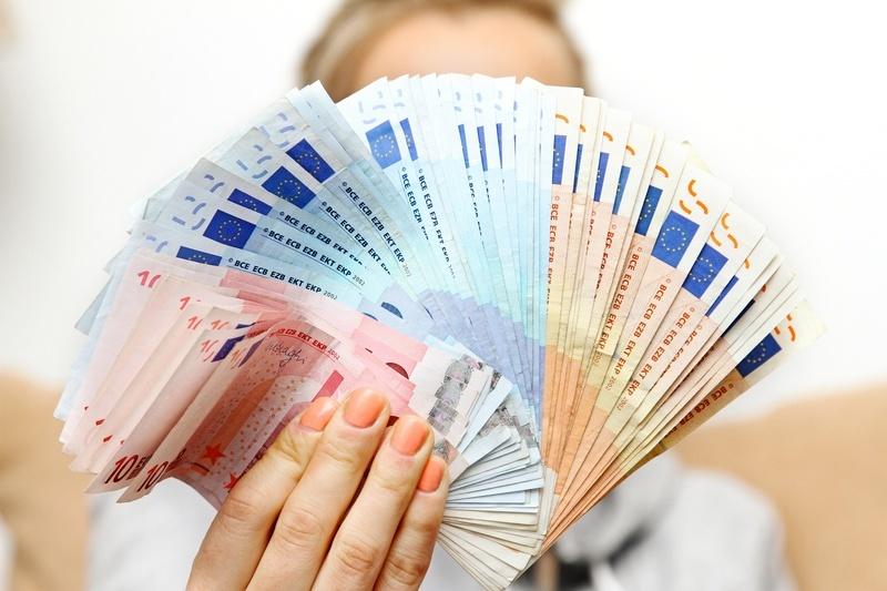 rahan lainaaminen
