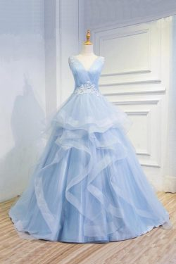 Sweetheart Baby Blue Organza V neck Ruffles Appliques Wedding Gowns – Ombreprom